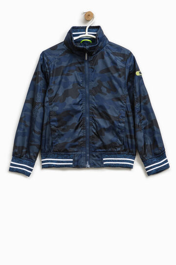 Jacket with camouflage pattern and patch