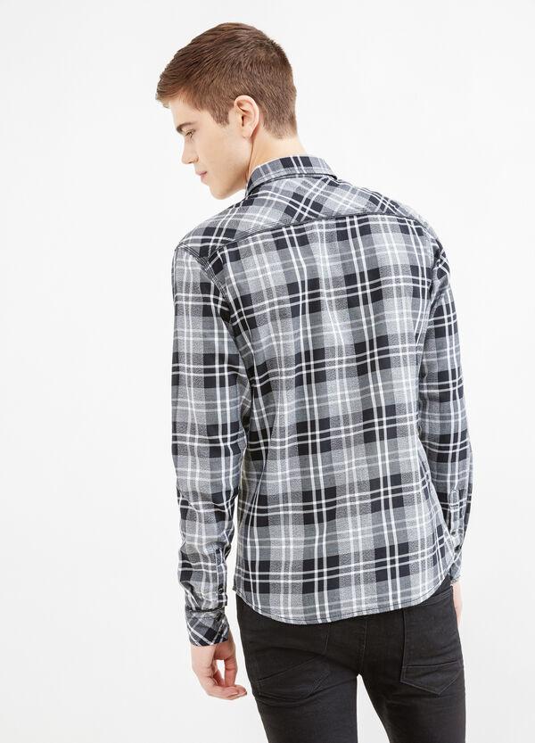 Camisa informal slim fit con bolsillos superiores | OVS