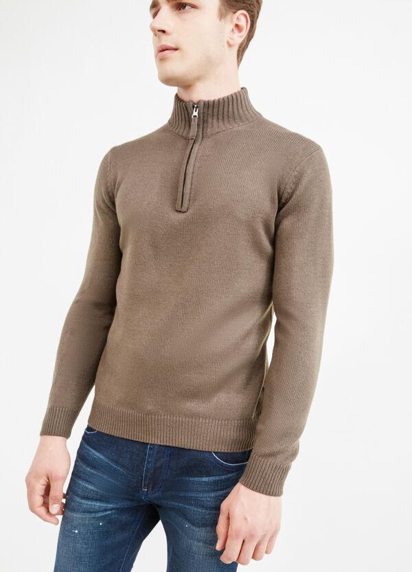 Jersey en color liso con cuello alto con cremallera | OVS