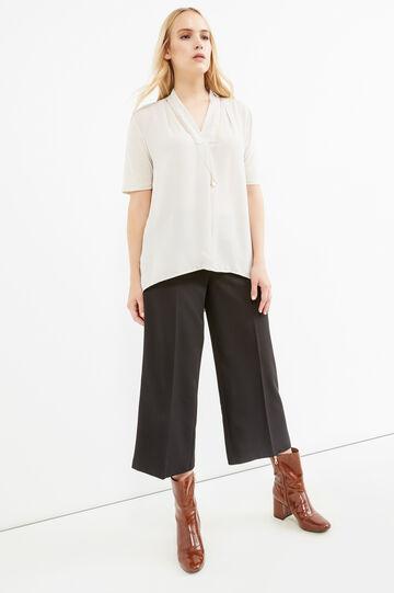 Blusa misto viscosa con collana Curvy, Bianco gesso, hi-res