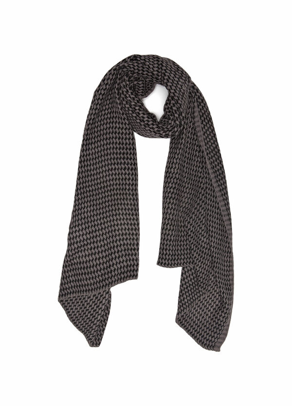 Knitted scarf with geometric pattern. | OVS