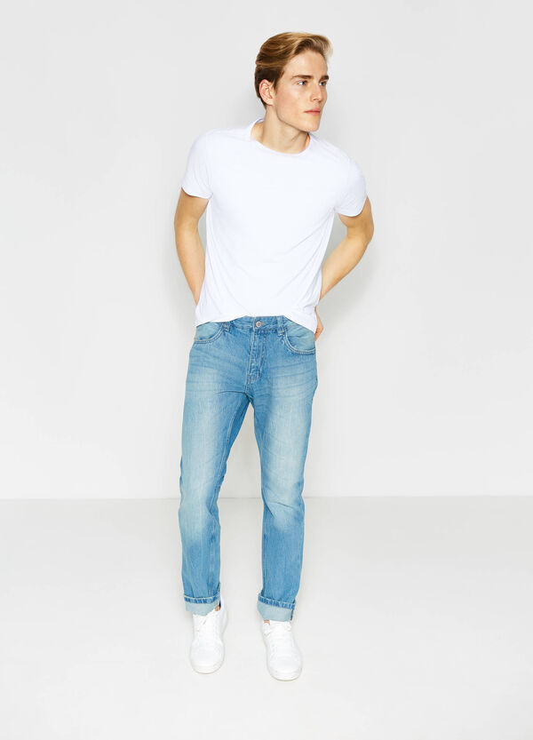 Worn-effect regular-fit jeans with whiskering | OVS
