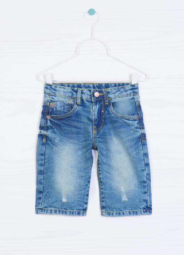 Worn-effect denim shorts. | OVS