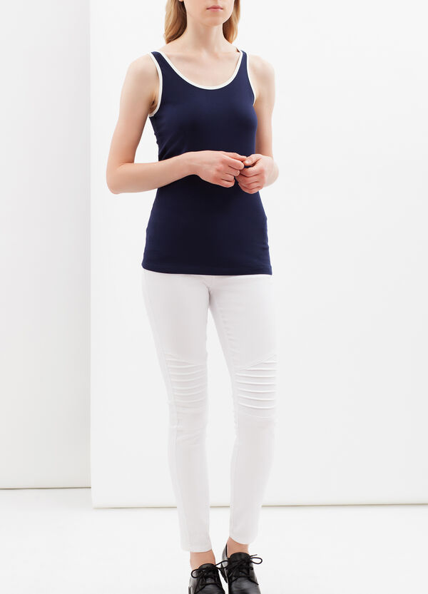 Stretch vest with contrasting trim. | OVS