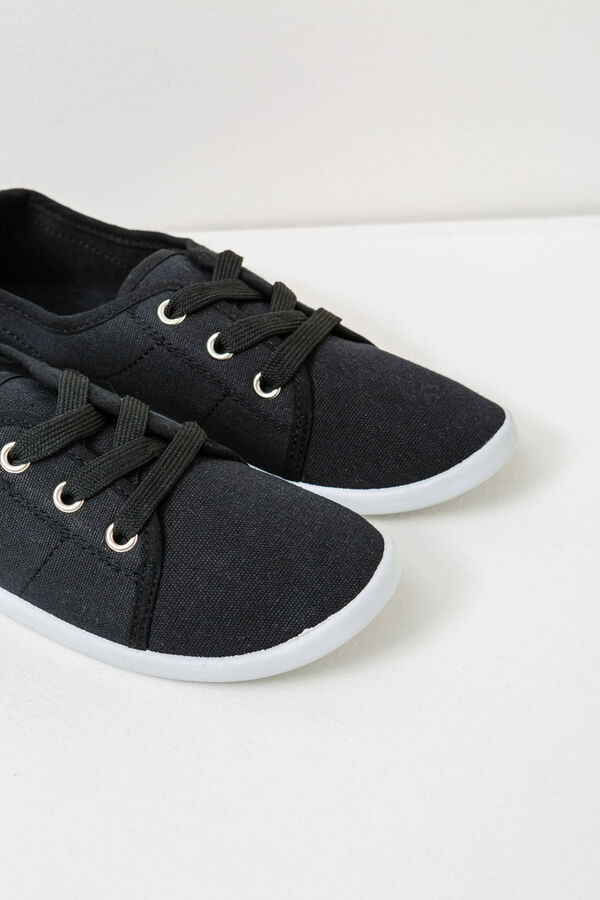 Solid colour sneakers with laces | OVS