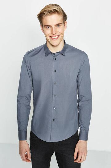 Camisa informal slim fit de algodón en color liso, Gris, hi-res