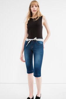 Denim Bermuda shorts with patterned belt, Dark Wash, hi-res