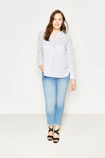 Curvy V-neck blouse