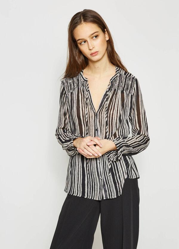 Blusa con estampado por toda la prenda | OVS