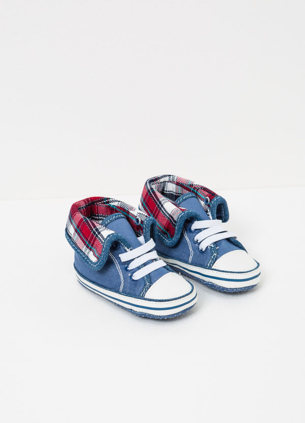 Sneakers with check lining   OVS