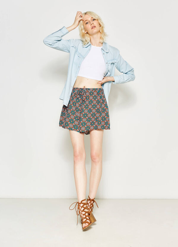Viscose shorts with all-over print | OVS