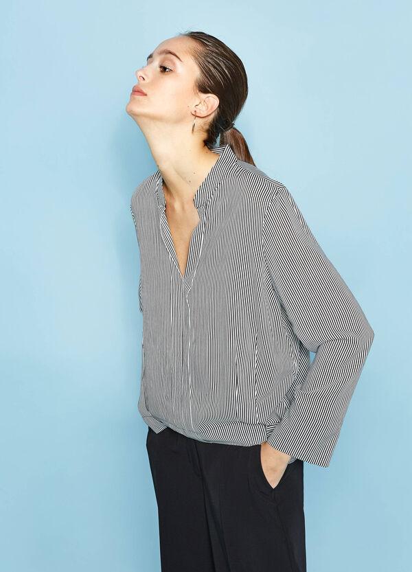 Blusa in pura viscosa fantasia a righe | OVS