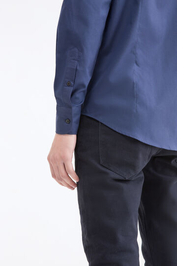 Slim-fit shirt with bluff collar