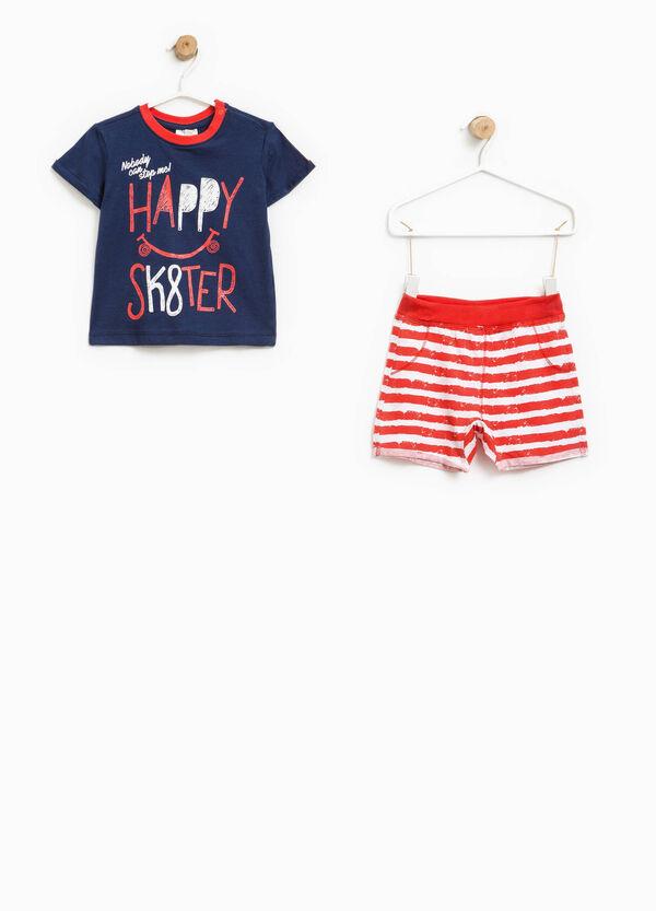 Completo t-shirt e pantaloncini a righe | OVS