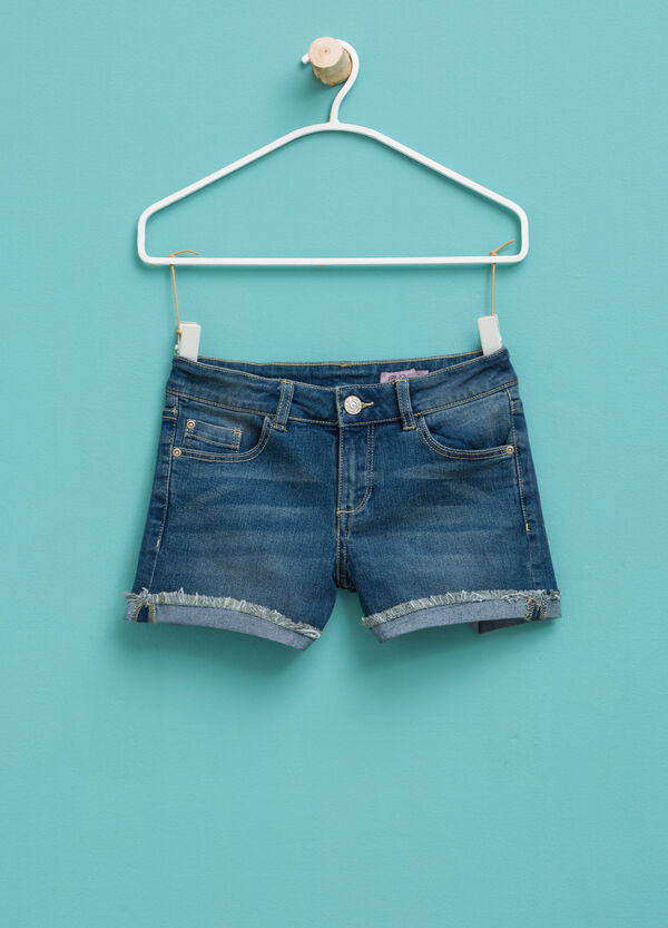 Shorts di jeans stretch effetto used | OVS