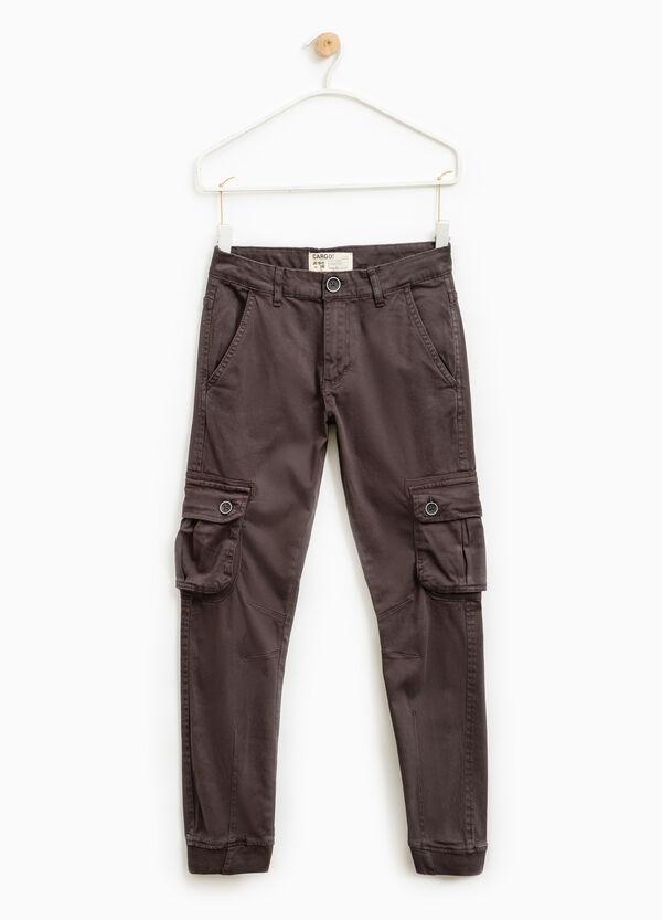 Pantaloni chino modello cargo | OVS