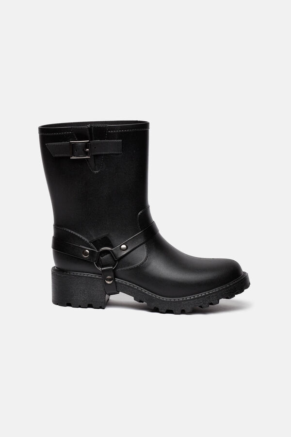Boots with thick tread sole | OVS