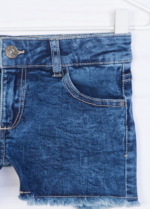 Shorts di jeans effetto delavé | OVS