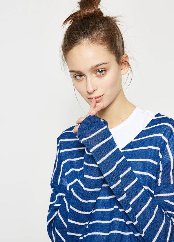 Jersey en punto tricot de rayas con cuello de pico | OVS