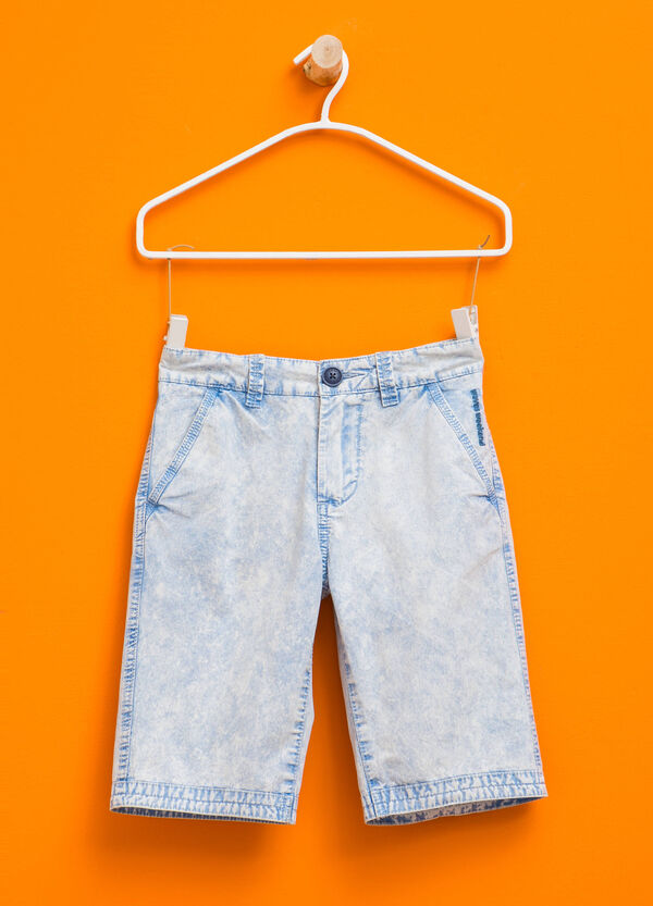 Misdyed-effect Bermuda shorts | OVS