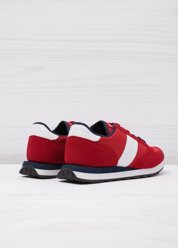 Sneakers con dettagli a contrasto | OVS