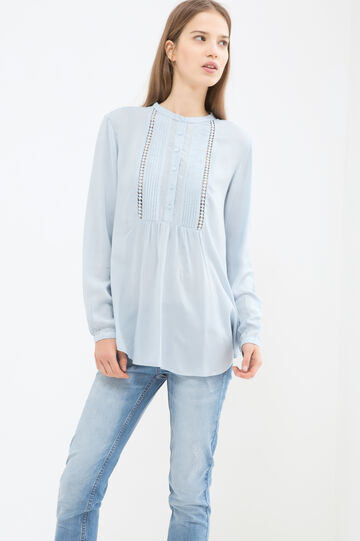 Solid colour blouse with pleating