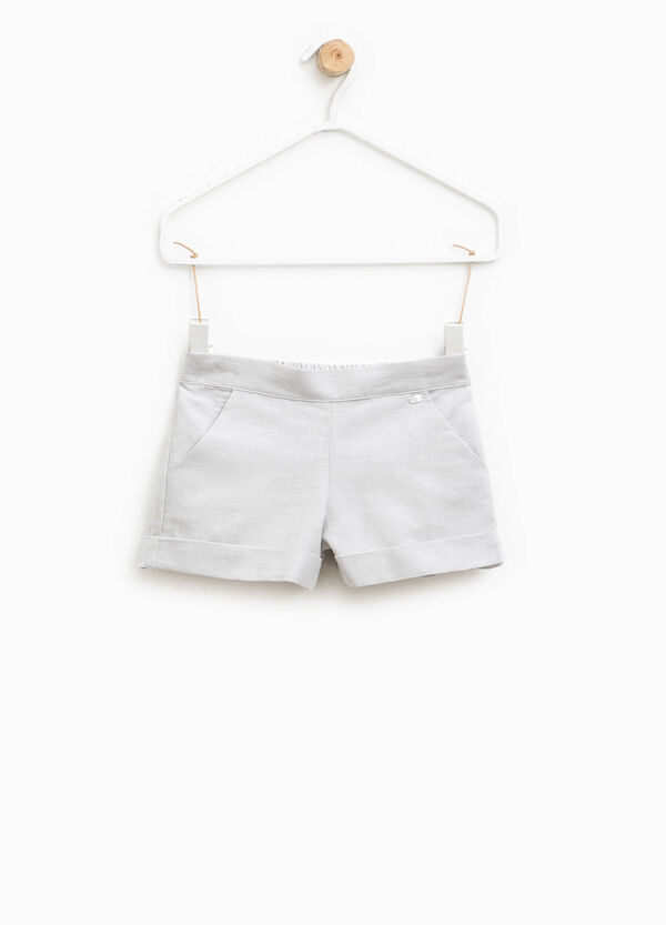 Shorts in lino e cotone con patch | OVS