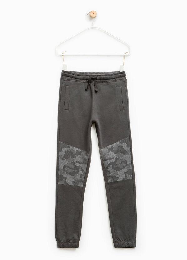 Pantaloni tuta stampa camouflage | OVS