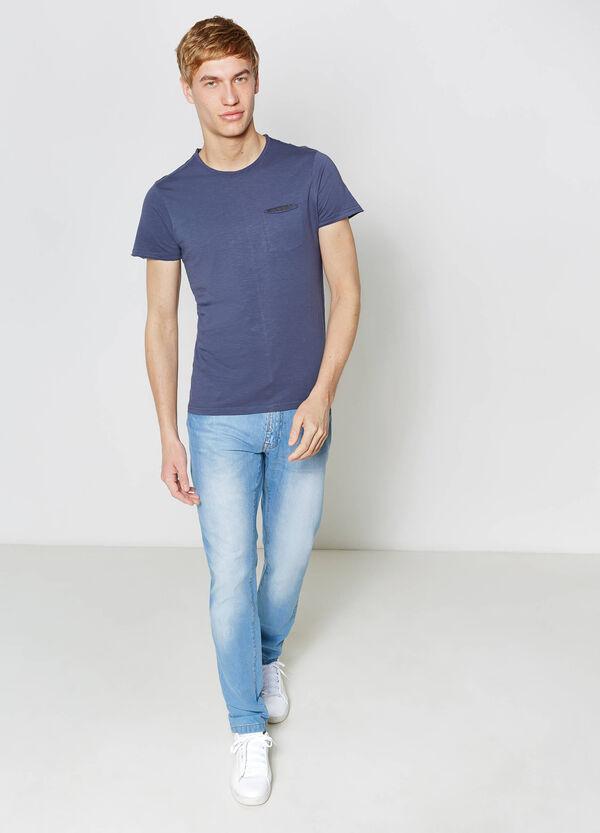 Raw cut T-shirt with small pocket | OVS