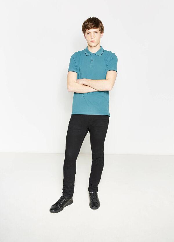100% cotton polo shirt with contrasting colour trim | OVS