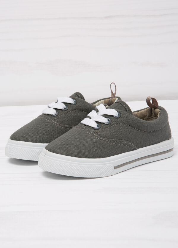 Sneakers con suola a contrasto | OVS