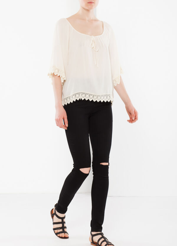 Blouse with lacework trim | OVS