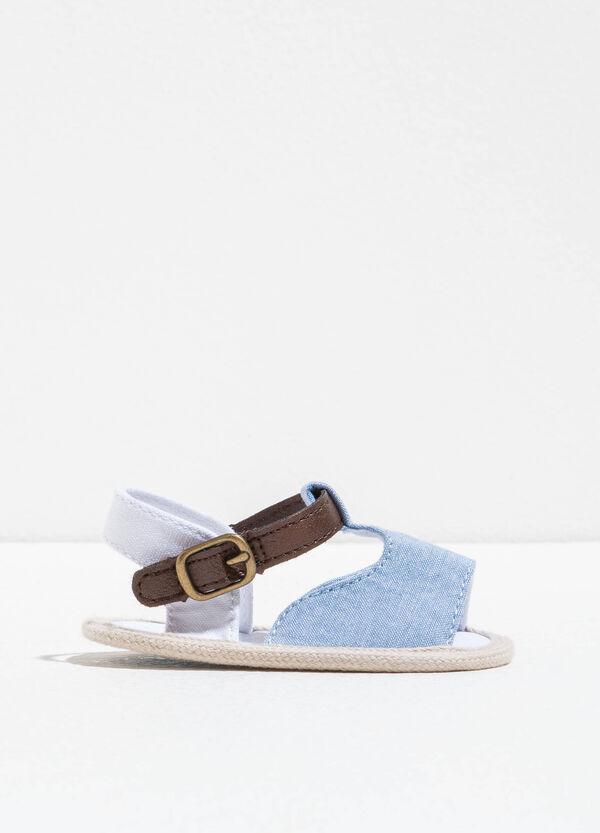 Sandali bicolore con suola a contrasto | OVS