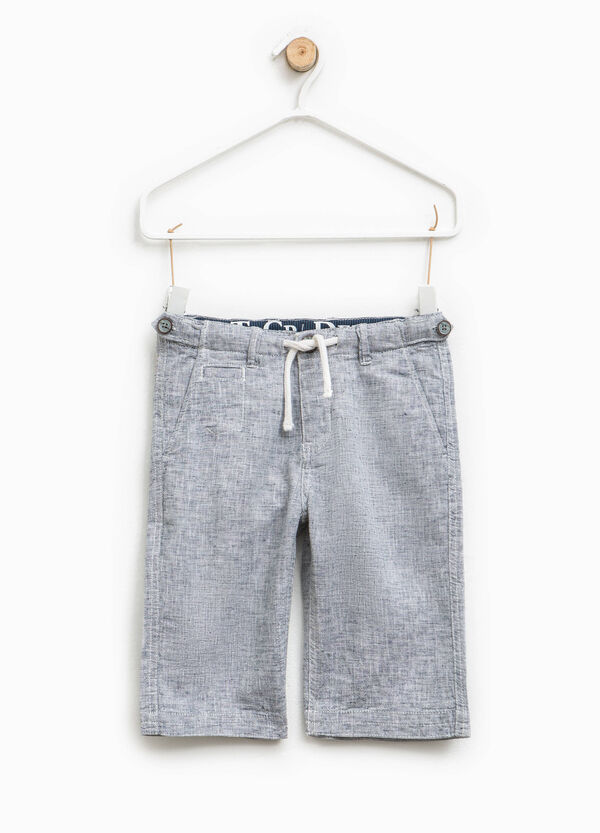 Linen blend Bermuda shorts with two-tone weave | OVS