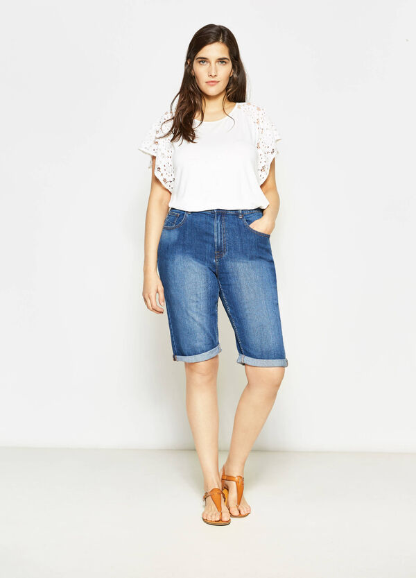 Curvy denim Bermuda shorts with faded effect | OVS