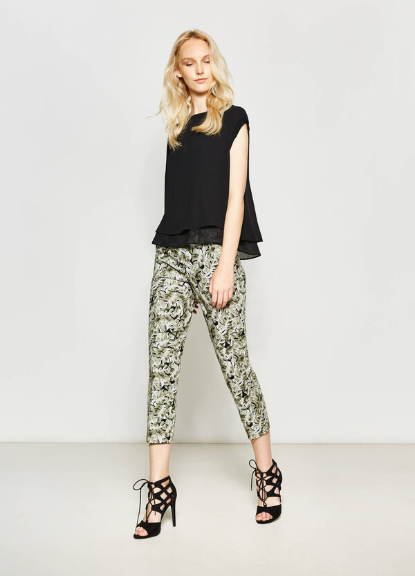 Crop trousers with all-over print | OVS