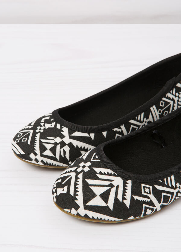 Patterned ballerina flats with round toe | OVS