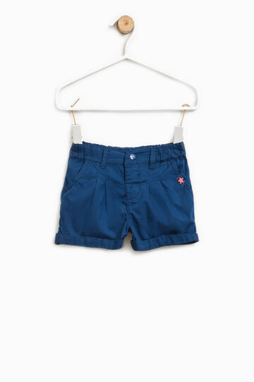 Pleated shorts with turn-ups