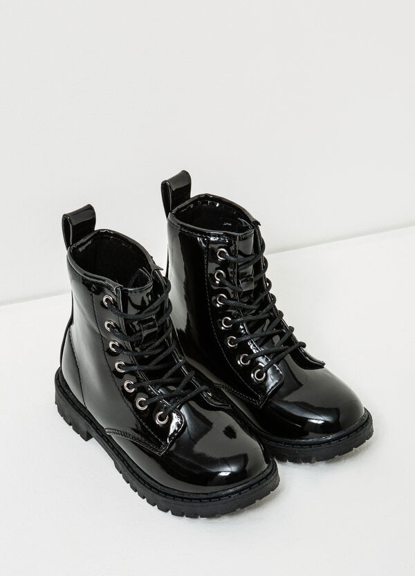 Polished combat boots with thick tread sole | OVS