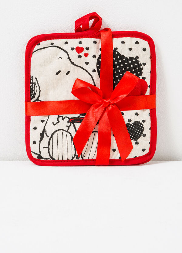 Two-pack Snoopy pot holders | OVS
