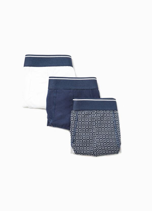 Pack de tres calzoncillos en algodón de color liso y con estampado | OVS