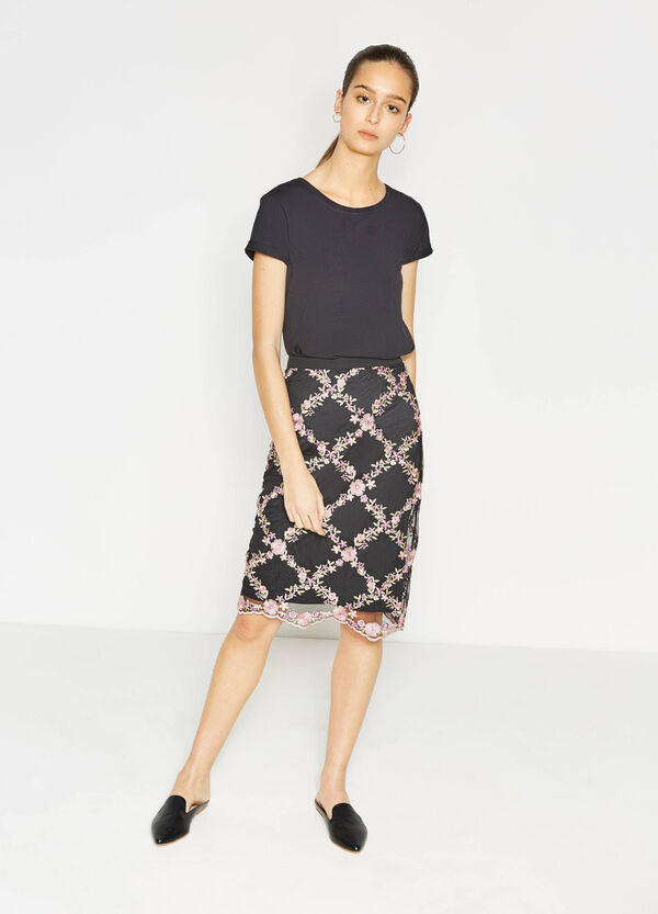 Tube skirt with contrasting embroidery | OVS