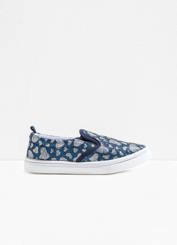 Glitter slip-ons with heart print | OVS