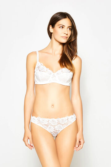 Soft lace bra with underwire