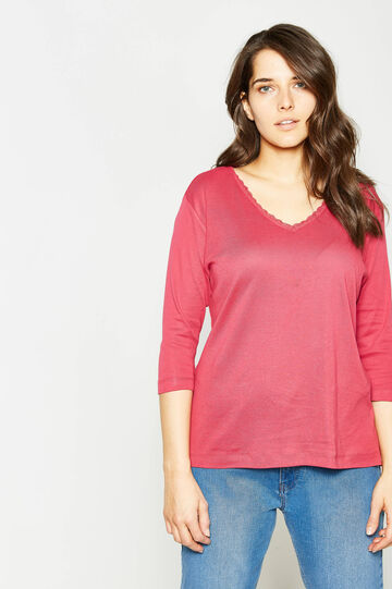 Curvy V-neck T-shirt with lace