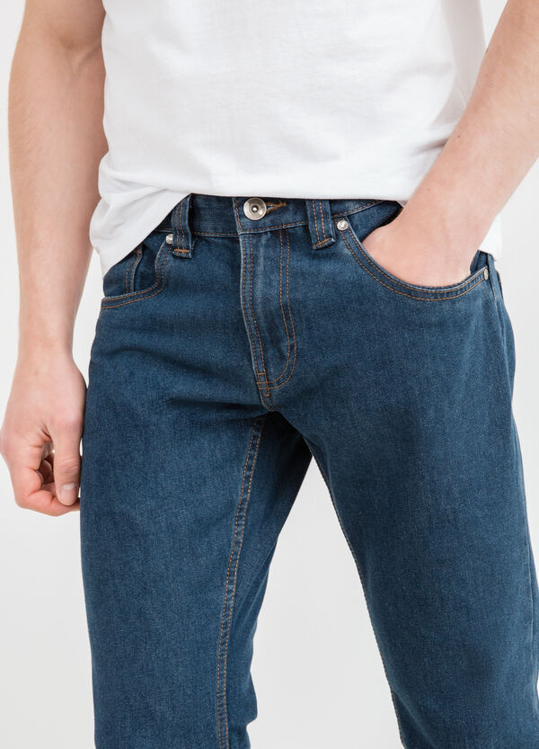 Jeans straight fit cuciture a contrasto | OVS