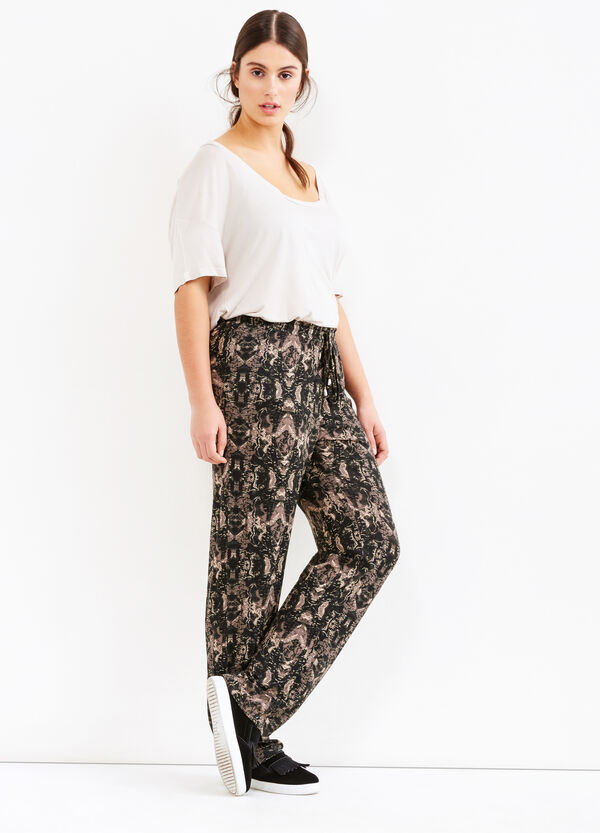 Curvy trousers with pattern in contrasting colour | OVS