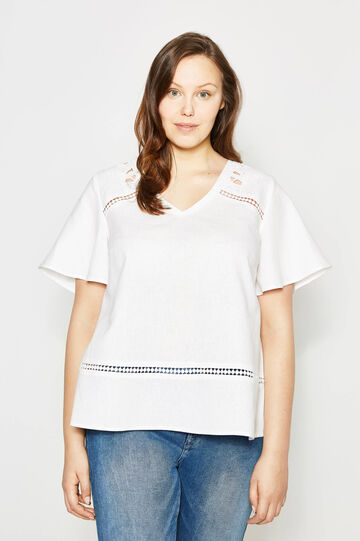 Curvy blouse in linen with embroidery