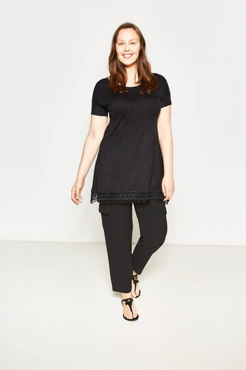 Curvy long T-shirt with lace and fringe, Black, hi-res
