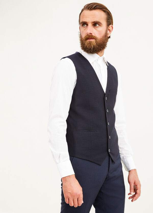 Chaleco slim fit elástico con un bolsillo superior | OVS